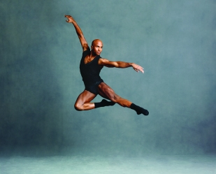 Alvin Ailey American Dance Theater's Glenn Allen Sims. Photo by Andrew Eccles_02